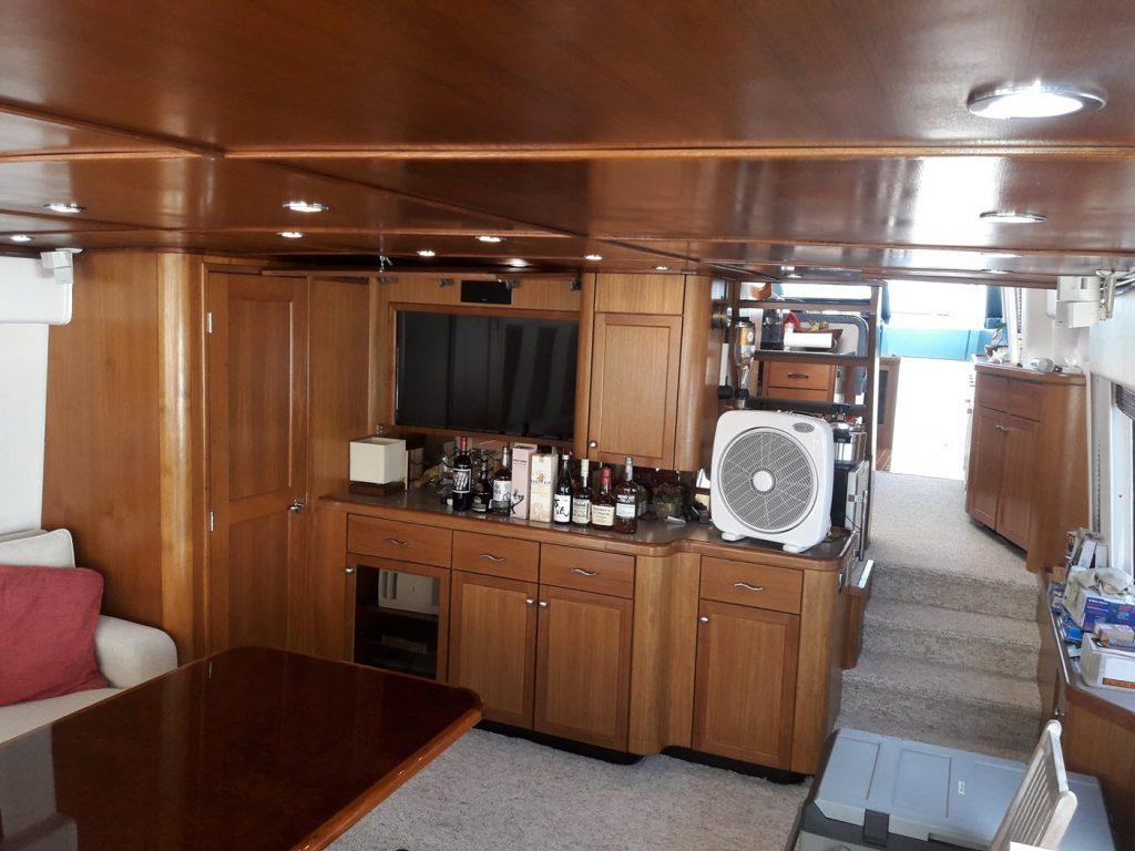 yacht-for-rent-casa-de-campo-summer-wind-salon-2-june-2018