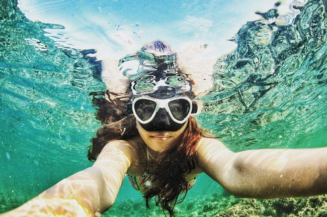 caribbean-snorkeling-woman