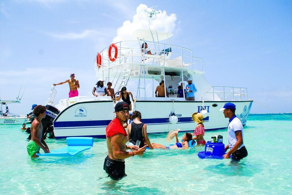 09-private-boat-charter-rental-saona-catalina-casa-de-campo
