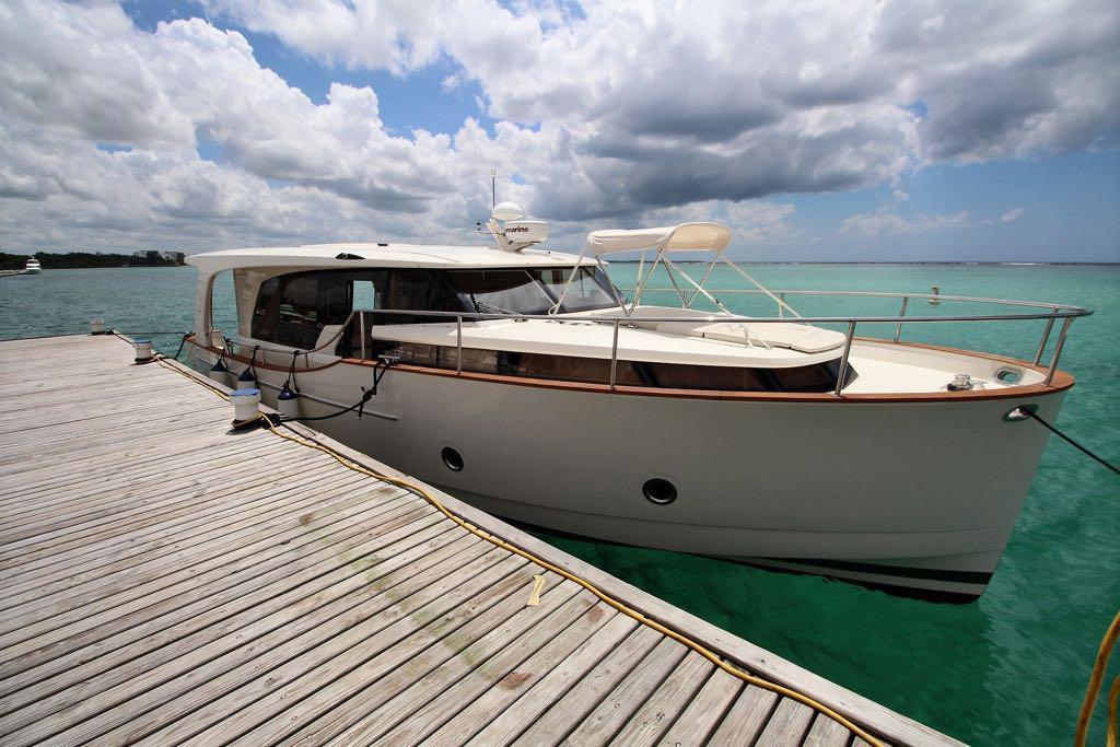 Hybrid power santo domingo private yacht Luxury charter Boca Chica
