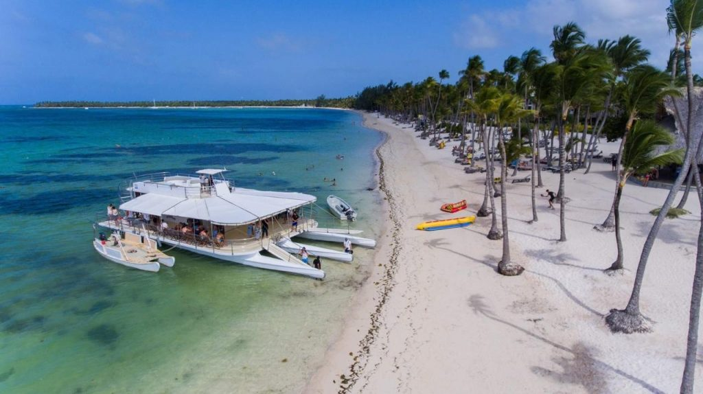 Wedding boat Punta Cana