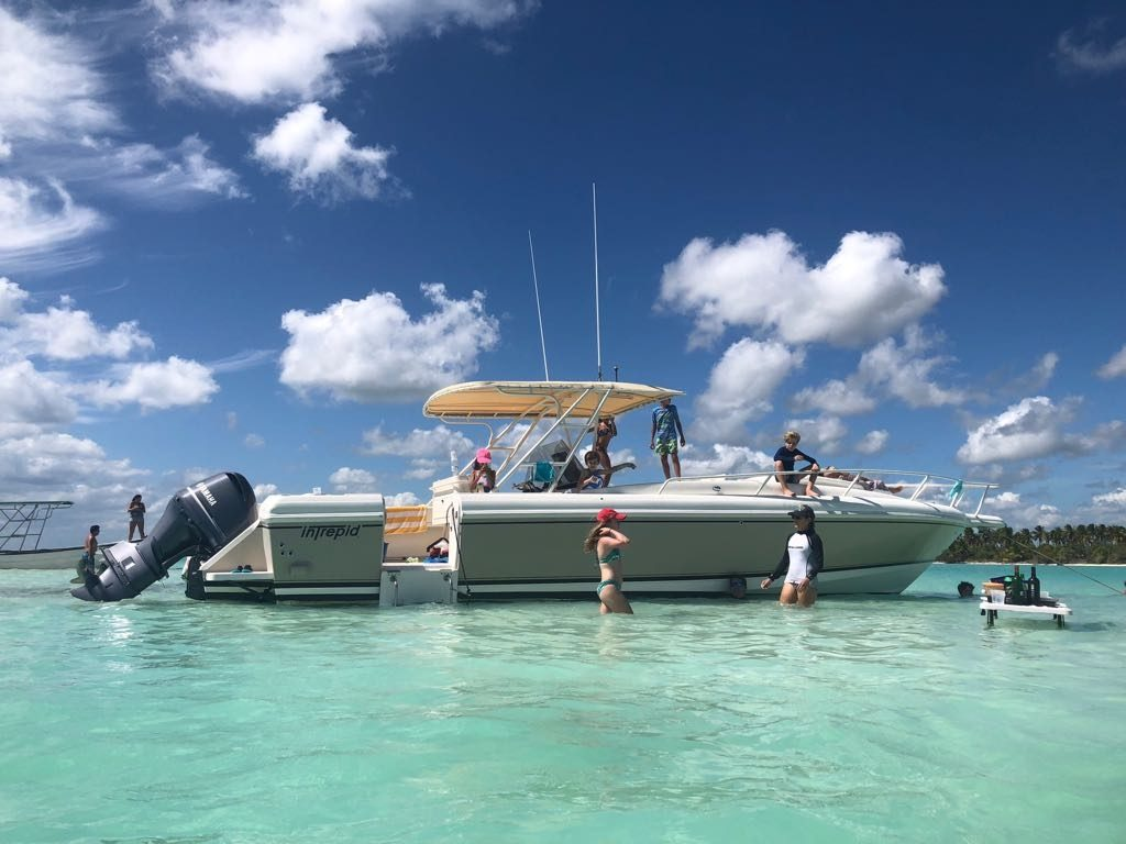 motorboat-private-rental-casa-de-campo-1
