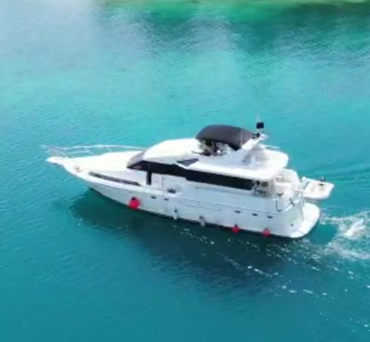 yacht-private-rental-boca-chica-10