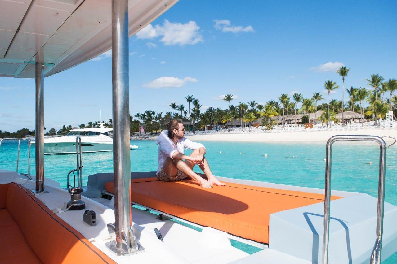 private-catamaran-luxury-charter-casa-de-campo-to-saona-palmilla-catalina